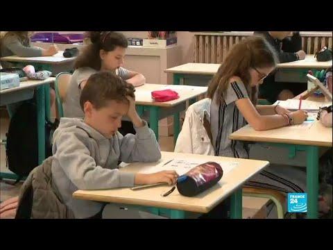 Covid-19 : en France, les écoliers et les collégiens retournent à l'école