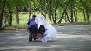 Шок! Платье невесты намотало на колесо! Катастрофа! Курган