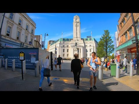 ⁴ᴷ Walking Luton, England - Town Centre, Bury Park & Wardown Park
