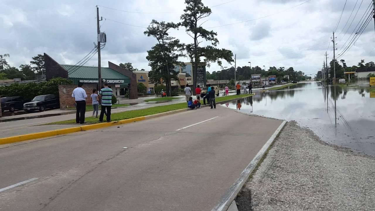 The Woodlands Texas Flooding >> Flooding in Spring, Texas / Houston flood 2016 - YouTube