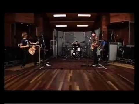 Mcfly - One For The Radio - Live at the London Olympic Studio