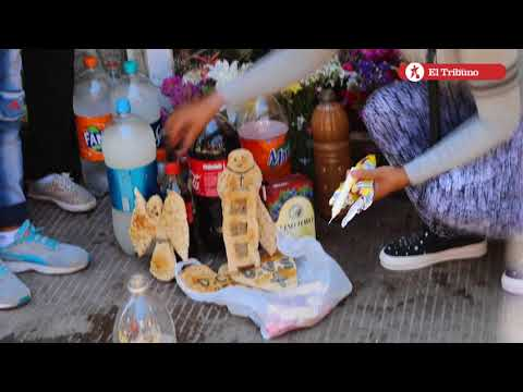 Día de los fieles difuntos / Recorrido en el Cementerio del Rosario
