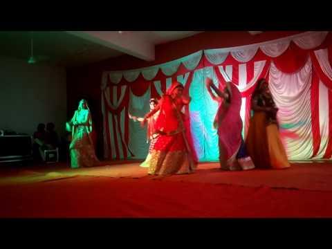 Aarti is ladies sangit dance program