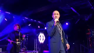 Living In A Box Ft. Kenny Thomas - Thinking About Your Love (Live Butlin's Bognor Regis)