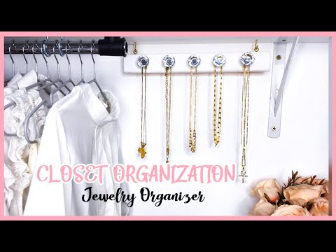 SMALL CLOSET ORGANIZATION: DIY JEWELRY ORGANIZER || MSS WINNIE