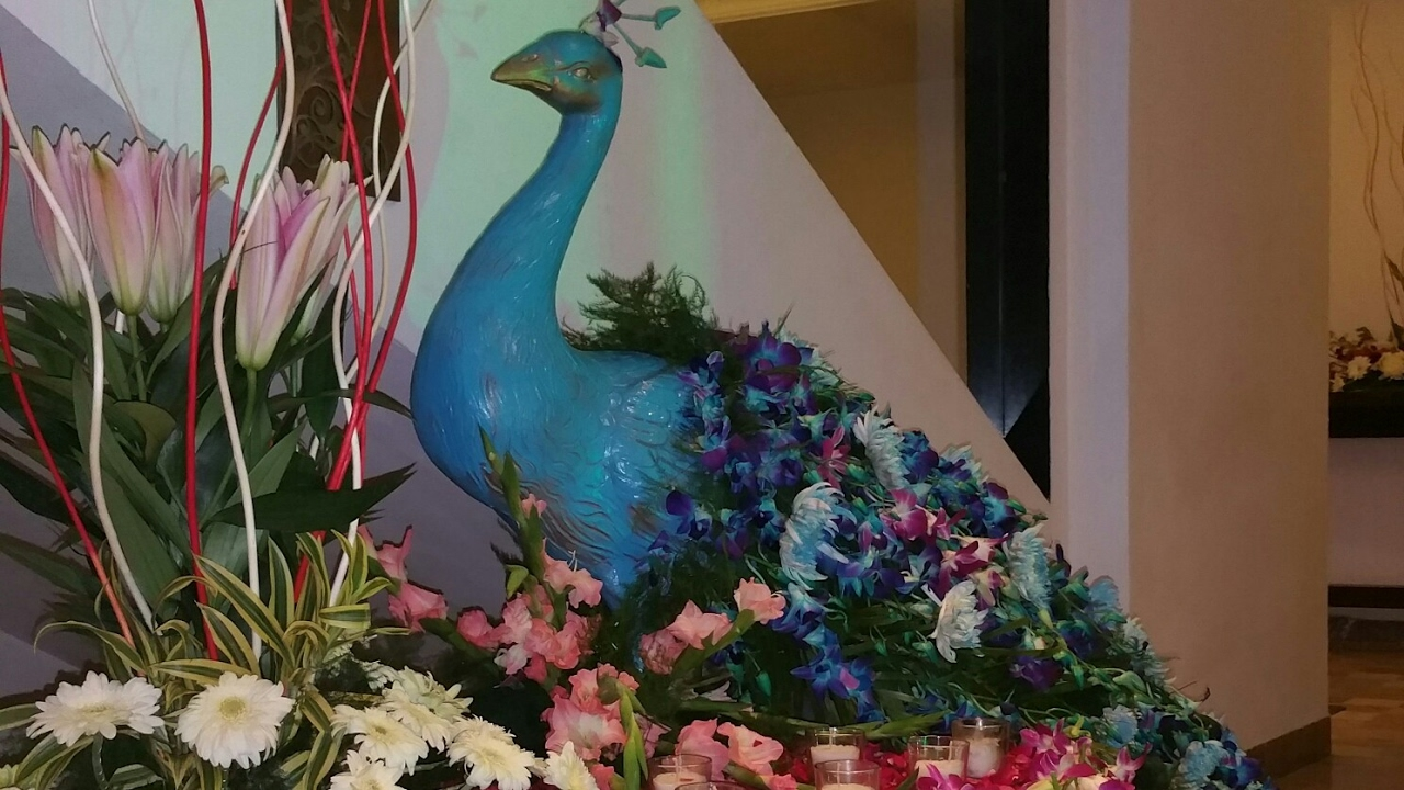 peacock themed flower decorations for wedding 09891478183 the