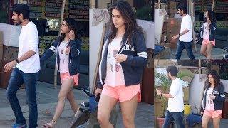 OMG ! Sara Ali Khan Spotted With Her Boyfriend in Mumbai