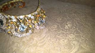 Популярная свадебная корона.