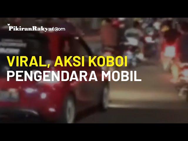 Viral, Aksi Koboi Pengendara Mobil di Makassar