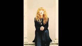 Watch Loreena McKennitt Let All That Are To Mirth Inclined video