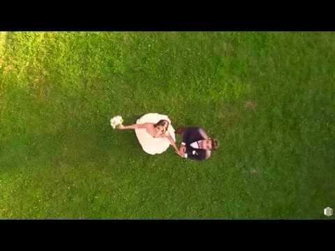 Mariage par drone au Château de Senlisse