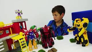 Автоботы и Десептиконы - Играем в пожарную станцию - Видео для мальчиков