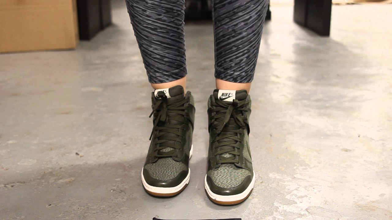 Nike Womens Dunk Sky Hi Medium Olive