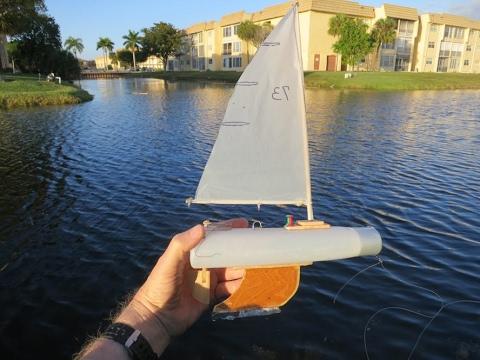 DIY shampoo bottle model boat that sails good & costs pennies