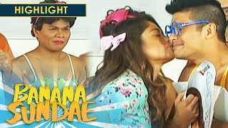 Banana Sundae: Jessy Mendiola kisses JC De Vera