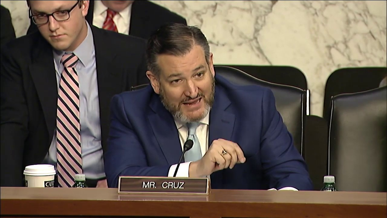 Sen. Cruz Grills Google on Allegations of Politically Biased Censorship thumbnail