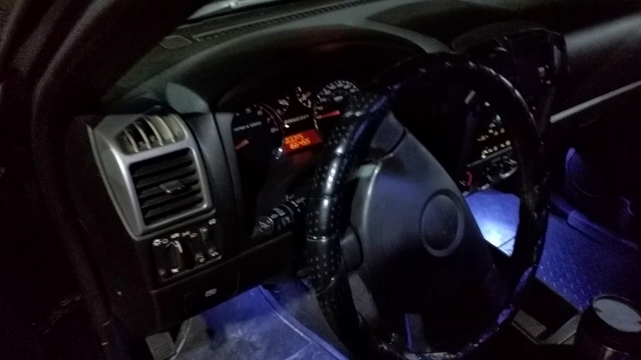 2007 Chevy Colorado strange airbag light behavior?