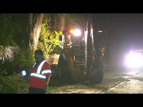 Crews work to clear roads in post-Irma Miami Beach