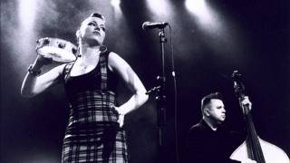 Watch Imelda May Let Us Sing video