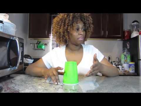 Frau rastet aus, weil sie den Cup Song nicht kann