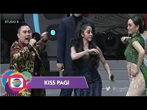 Download Youtube: Trio Koplak Nassar, Dewi Perssik dan Zaskia Gotik - Kiss Pagi