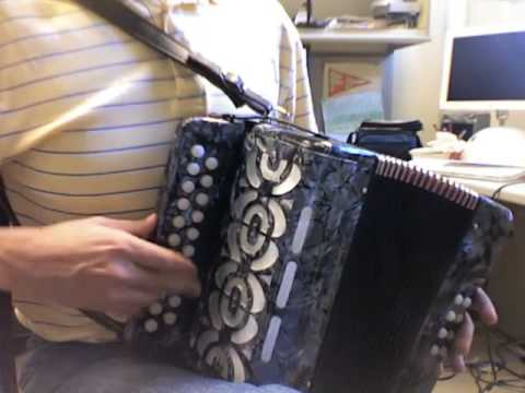 ships are sailing on B/C button accordion
