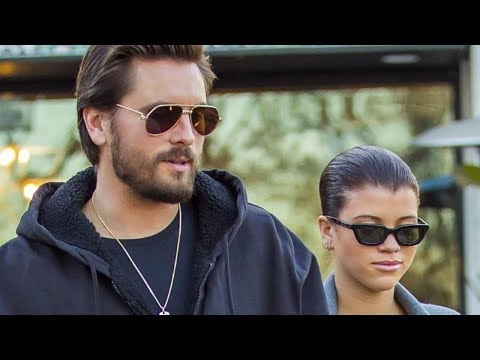 Scott Disick Hanging Out With WHICH Kardashian Sister?!