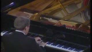 Aldo Ciccolini plays Debussy (vaimusic.com)