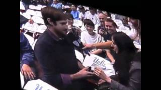 Repeat youtube video Video of marriage proposal gone wrong at UCLA basketball game