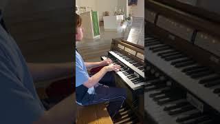 Matthew plays Heut triumphieret Gottes Sohn by J.S. Bach