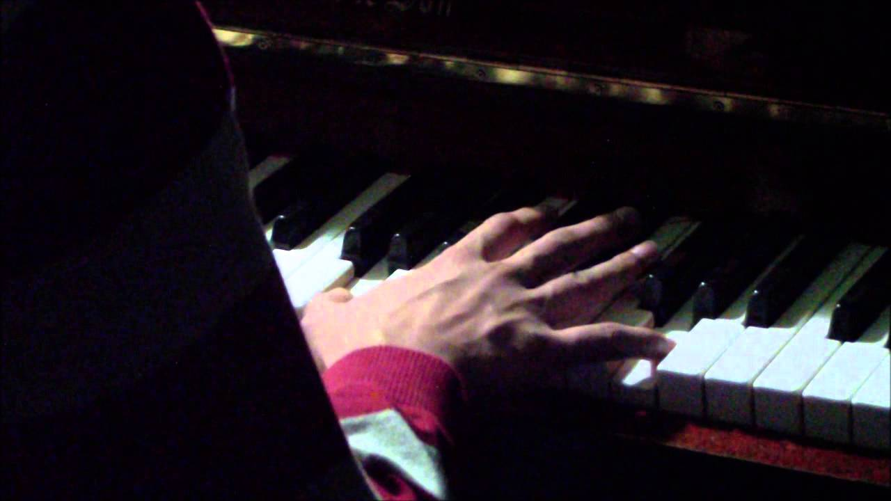 The Christmas Song- Nat King Cole(PIANO COVER) - YouTube