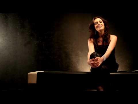 Csézy: Mama videó letöltés