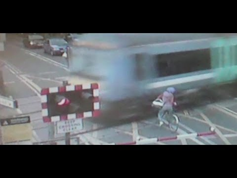 Action to cut level crossing deaths