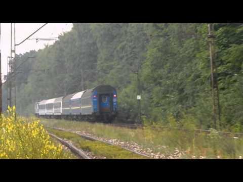 EU07-072 + KIEV EXPRESS do Kijowa mija las Stary Gaj w Lublinie 13.07.2015
