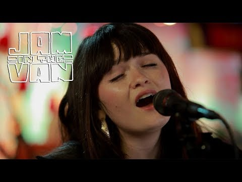 """LAURA JEAN ANDERSON - """"On My Mind"""" (Live at JITV HQ in Los Angeles, CA 2018) #JAMINTHEVAN"""