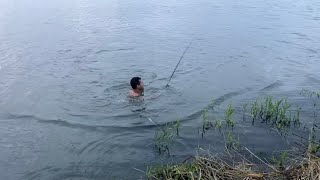 Дикий сазан украл удочку Рыбалка на Днестре