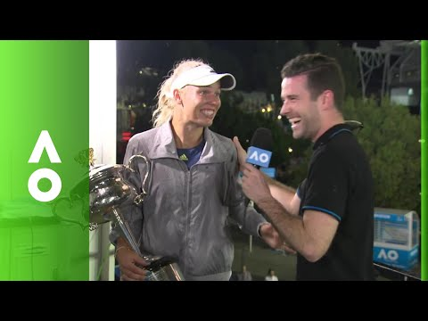 Bugging a champion: Wozniacki's run-in with Australian wildlife | Australian Open 2018