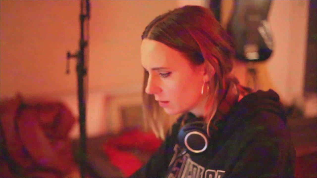 MØ - Live To Survive (Studio Diary)