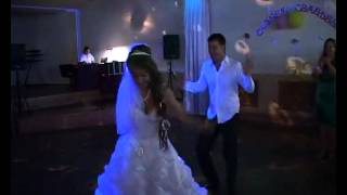 Прикольный современный свадебный танец