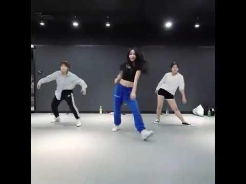 Happy happy song dance Japan girl