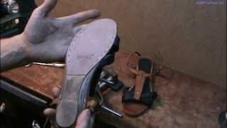 Ремонт обуви. Прошивка сандалий по низу подошвы(Прошивка подошвы по низу подошвы в канавке. Подошва из ПВХ ,сначала зачищена наждачкой № 40, под заклейку..., 2013-09-02T20:23:23.000Z)