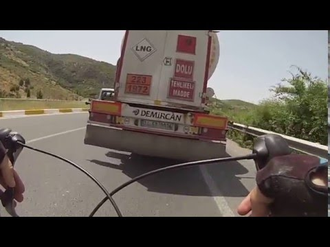 80KM/H Bike Draft Behind Liquified Natural Gas Truck !!! CYCLING