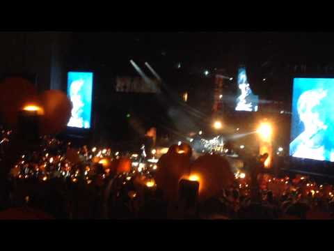 Beside You - 5 Seconds of Summer (Live from ROWYSO)