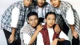 Download Mp3 New Boyz - Hiasan Di Laman Rindu