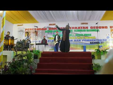 awy-seno,-redemption-song-ft.-recis-band.-live-performance-at-smak-recis-bajawa.