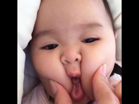 Em bé Việt Nam có mặt bánh bao dễ thương nhất