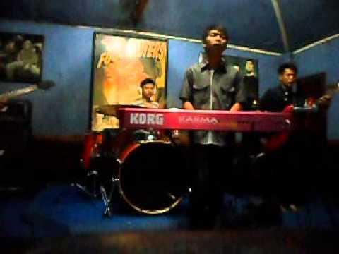 Devazco-pemain cinta cover by ada band (instrument)