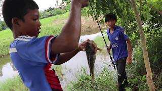Amazing Two Poor Boys Hook Big Fish At Small River By Notch Khmer Fishing Hook