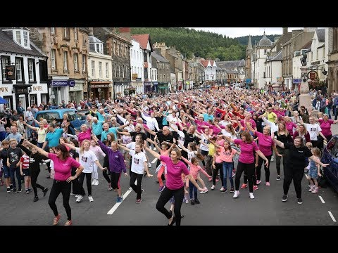 InChorus - Dancing In The Street (featuring giant Peebles Flash Mob)