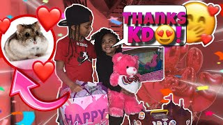 SURPRISED MY BESTFRIEND FOR VALENTINES DAY❤️! ( CUTE REACTION 🥰‼️)